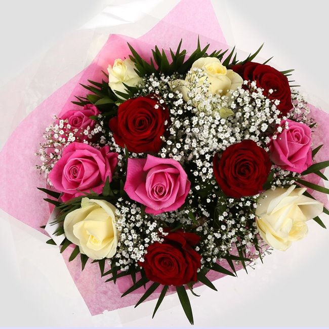 additional image for Sweet Melody Roses With Gypsophila -Clear Savings-Clear Prices