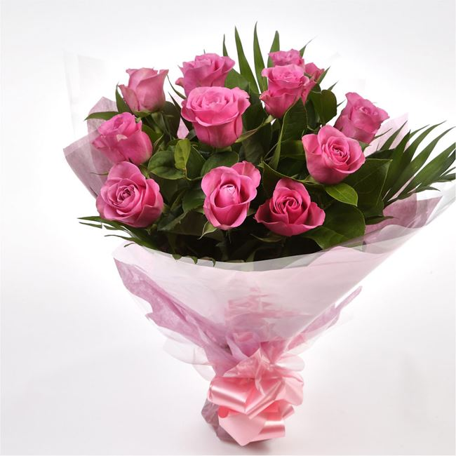 12 Luxury Pink Roses Bouquet
