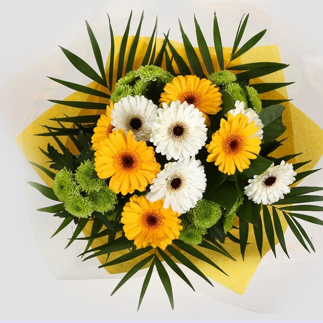 additional image for Birthday Balloon & Yellow Cream Bouquet
