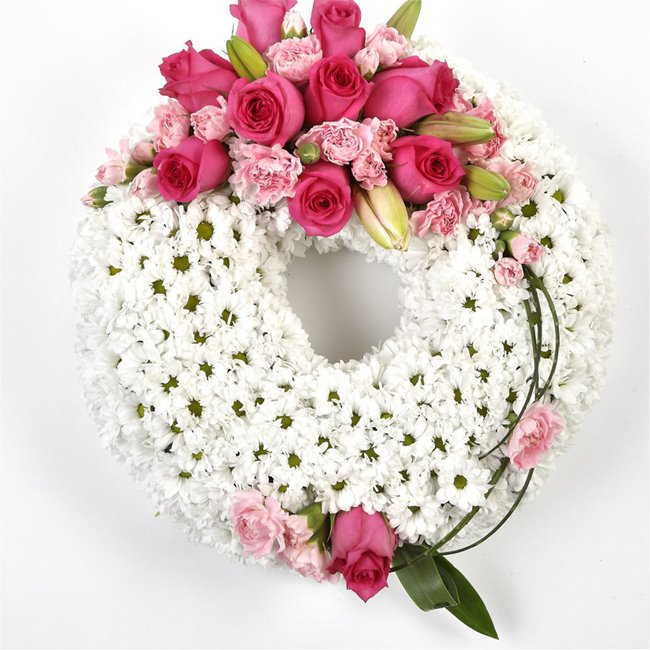 additional image for TRADITIONAL CIRCULAR LUXURY WREATH