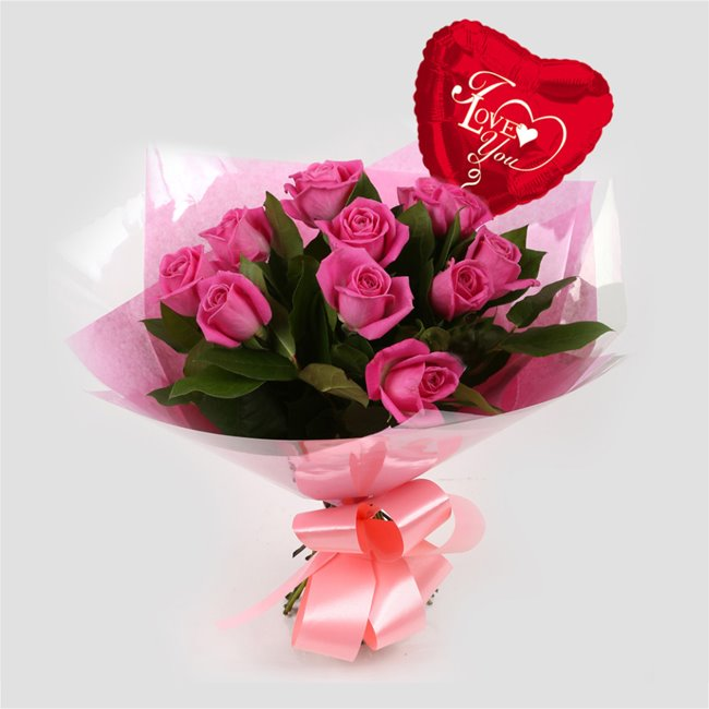 additional image for Love You Balloon & 12 Pink Roses Bouquet