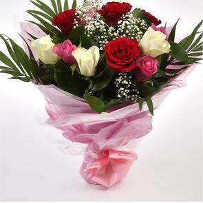 12 Sweet Expressions Roses