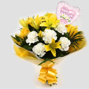 Mothers Day Balloon & Golden Sunshine Bouquet