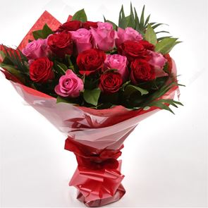12 Red Pink Blush Rose Bouquet